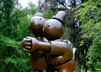 Tom Otterness – FREE MONEY, 2001